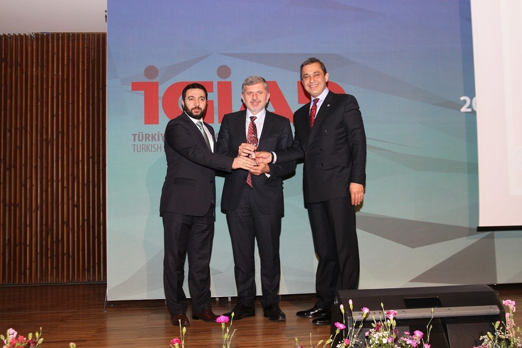 2013 Girişimcilik Ödülü, Sektör Lideri Reis Makina'ya Verildi.